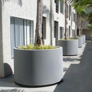 The Marek -  Round Outdoor Planter